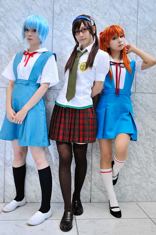 Evangelion's Asuka, Rei and Mari cosplayers